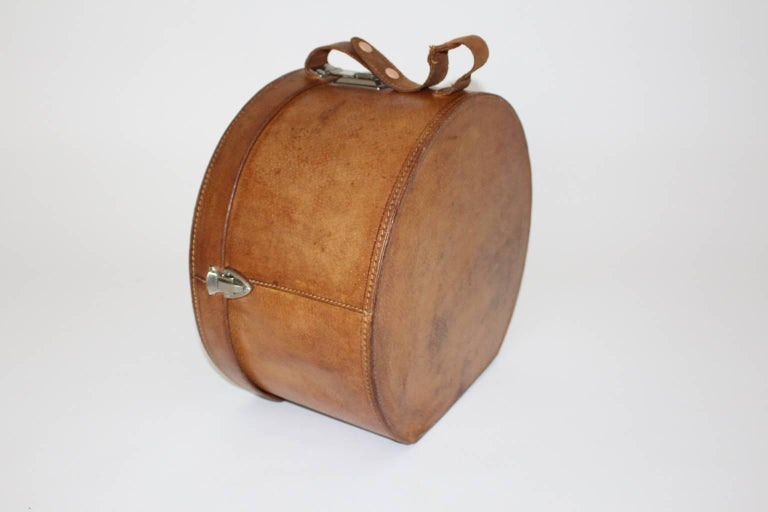 Mid Century Modern Vintage Brown Leather Case Austria, circa 1950 In Good Condition For Sale In Vienna, AT