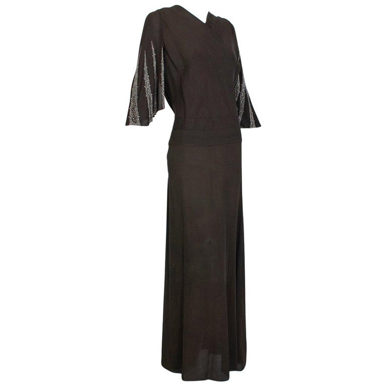 Brown Regency Silk Crêpe Kimono Gown with Crystal Batwing Sleeves - Med, 1930s For Sale