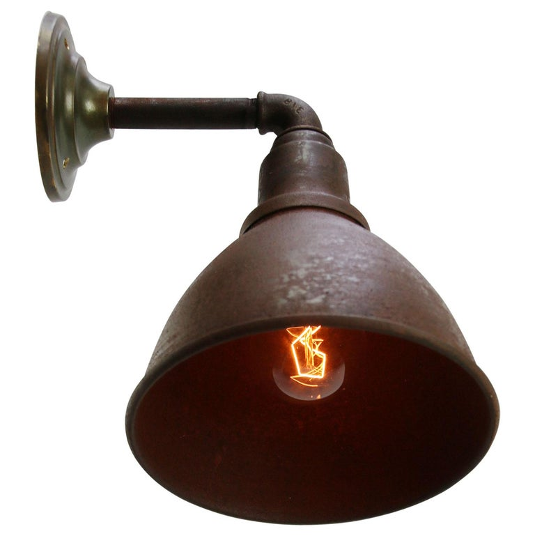 Brown Rust Iron Vintage Industrial Scone Wall Light In Good Condition For Sale In Amsterdam, NL