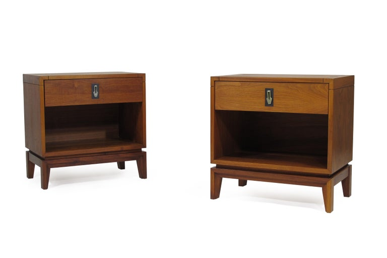 Mid-Century Modern Brown Saltman Walnut Nightstands For Sale