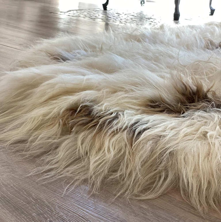 Brown Spot Shaggy Sheepskin Rug In New Condition For Sale In Dural, AU