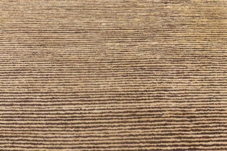 Brown stripes Size: 14'0