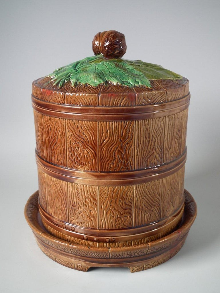 Brownfield Majolica Chestnut Cheese Dome & Stand For Sale 3