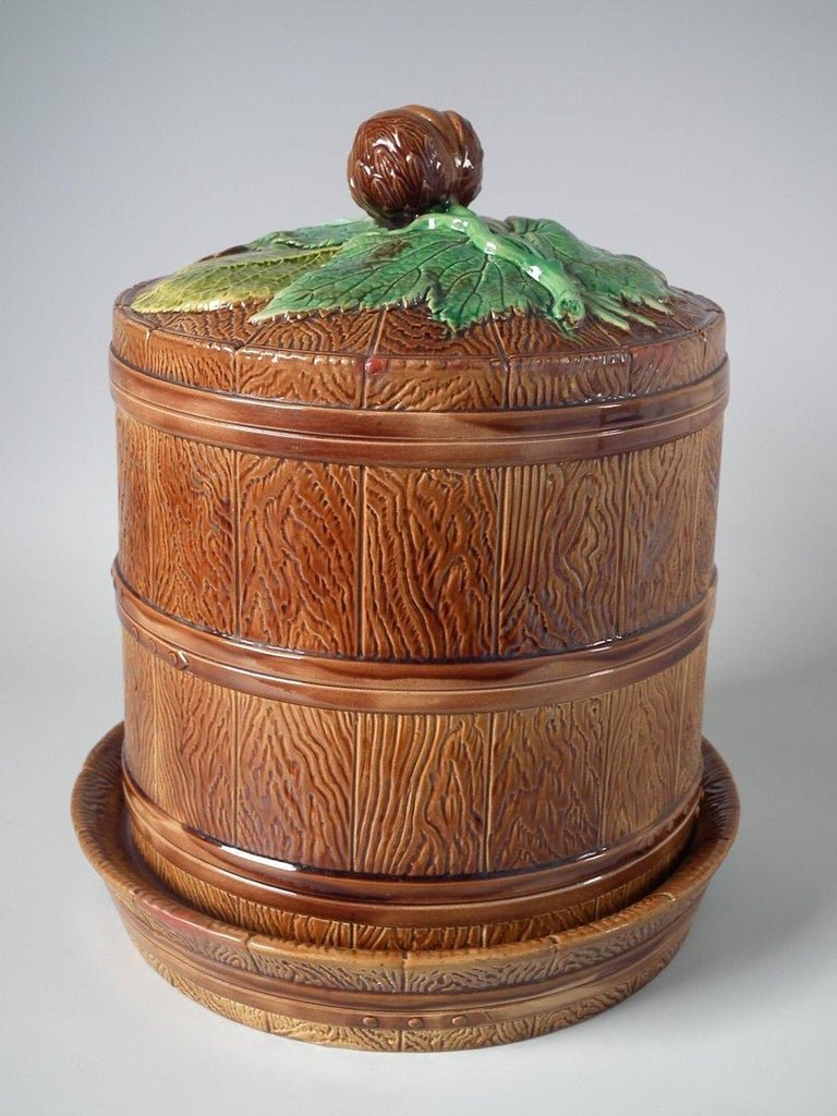 Brownfield Majolica Chestnut Cheese Dome & Stand For Sale 2