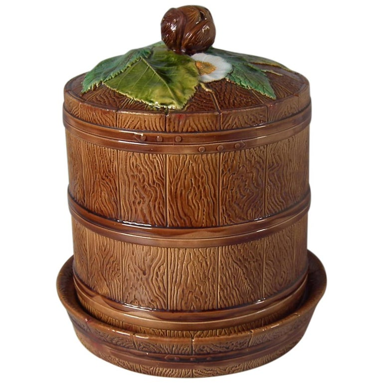 Brownfield Majolica Chestnut Cheese Dome & Stand For Sale