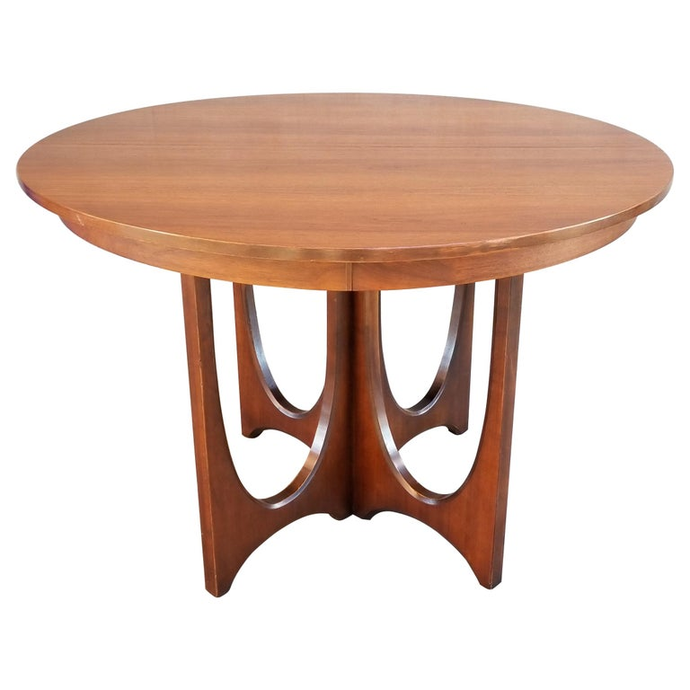 Broyhill Brasilia Round Dining Table For Sale At 1stdibs