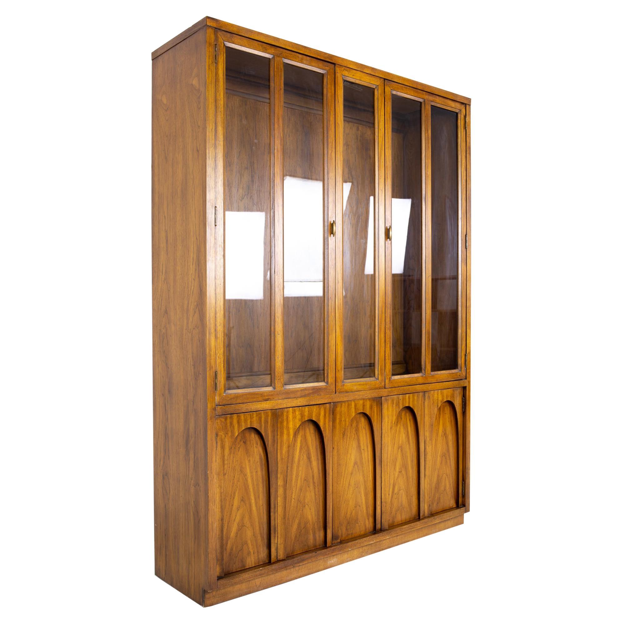 Broyhill Brasilia Style Mid Century Oak China Cabinet