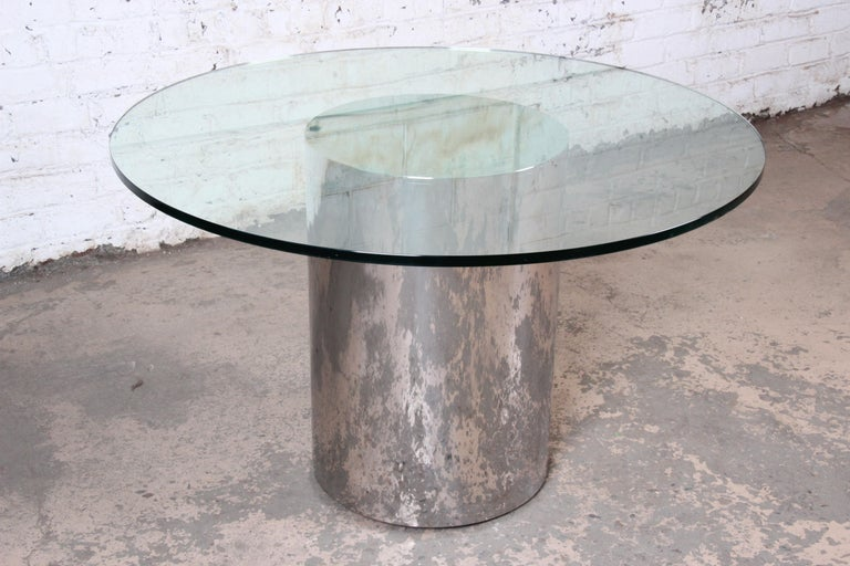 Late 20th Century Brueton Mid-Century Modern Polished Steel and Glass Round Pedestal Dining Table For Sale