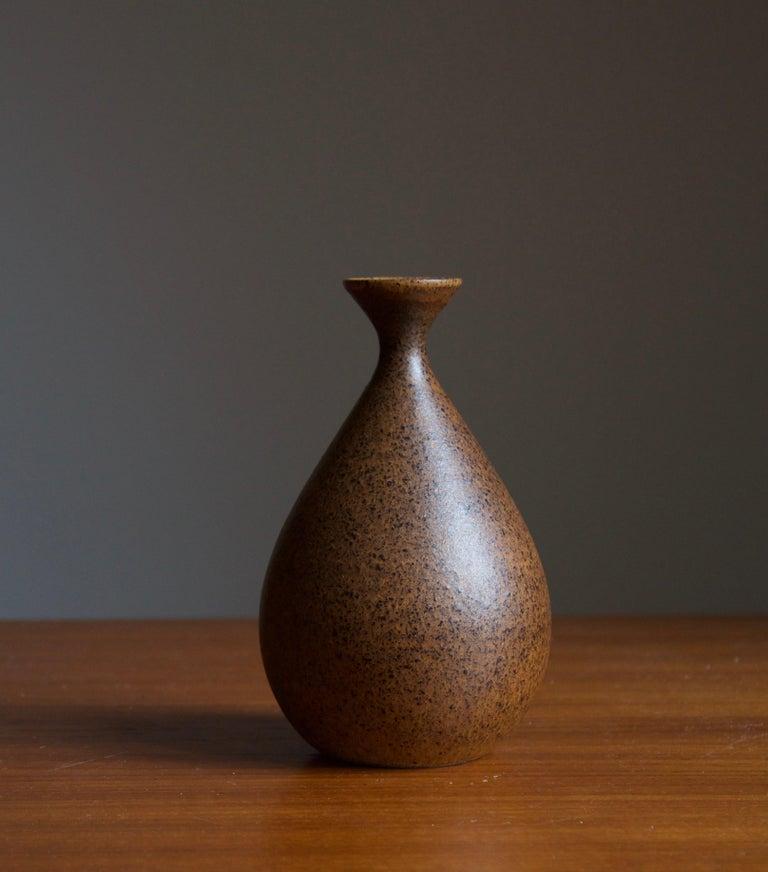 Mid-Century Modern Bruno Karlsson, Small Vase, Stoneware, Studio Ego, Sweden, 1960s For Sale