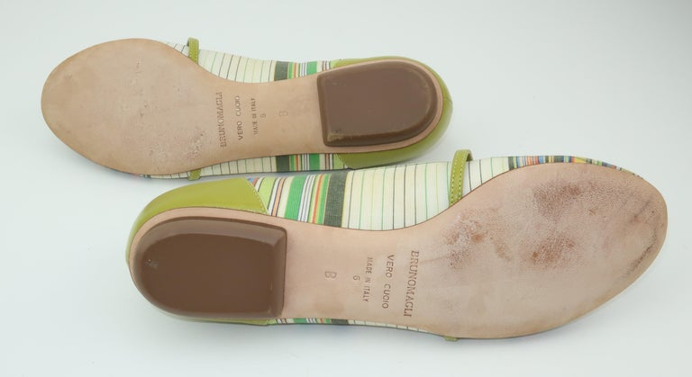 Bruno Magli Plaid Fabric & Green Leather Mary Jane Shoes Sz 6 B For Sale 1