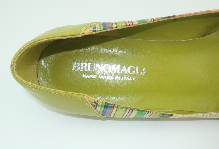 Bruno Magli Plaid Fabric & Green Leather Mary Jane Shoes Sz 6 B For Sale 2