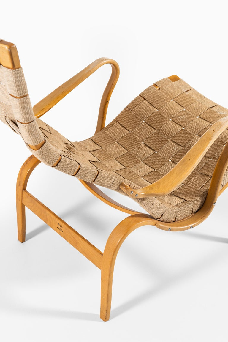 Bruno Mathsson Easy Chairs with Stools Model Pernilla Produced by Karl Mathsson For Sale 1