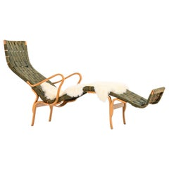 Bruno Mathsson Lounge Chair Model Pernilla 3 / T-108 by Karl Mathsson in Värnamo