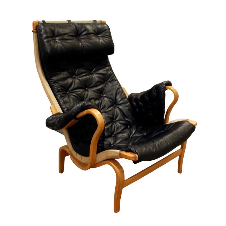 """Bruno Mathsson """"Pernilla Lounge Chair"""" with Tufted Black Leather 1969 'Signed' For Sale"""