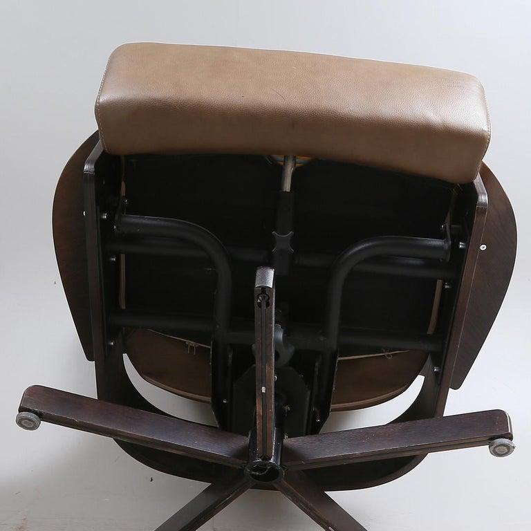 Scandinavian Modern Brunstad Møbler Amanda Leather Armchair with Ottoman For Sale