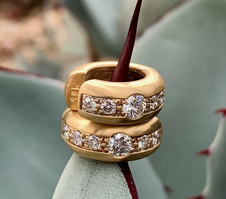 Round Cut Brushed 18 Karat Yellow Gold Huggie-Style Hoops with Diamonds