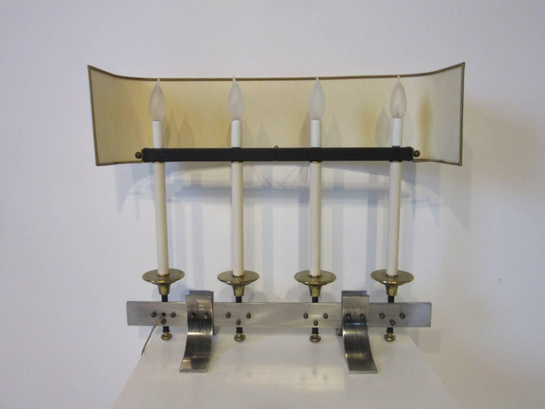 American Brushed Metal and Brass Table Lamp in the Manner of Stiffel and Tommy Parzinger For Sale
