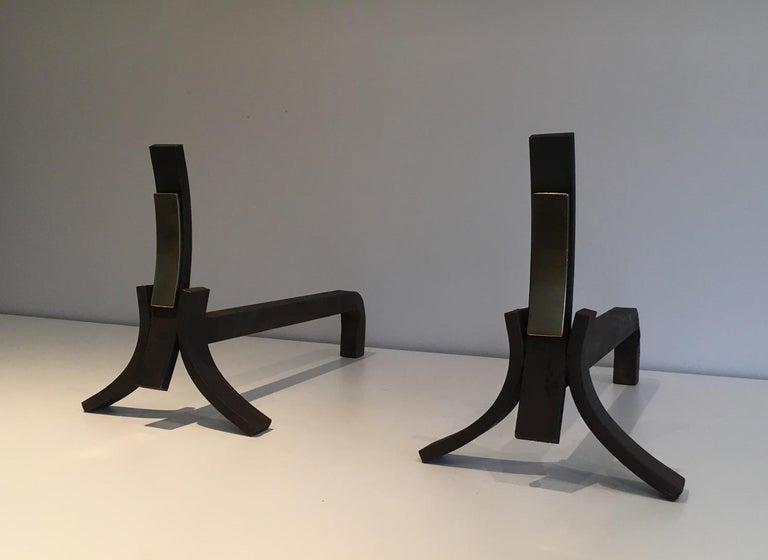 Brushed Steel and Brass Andirons, circa 1950 In Good Condition For Sale In Marcq-en-Baroeul, FR