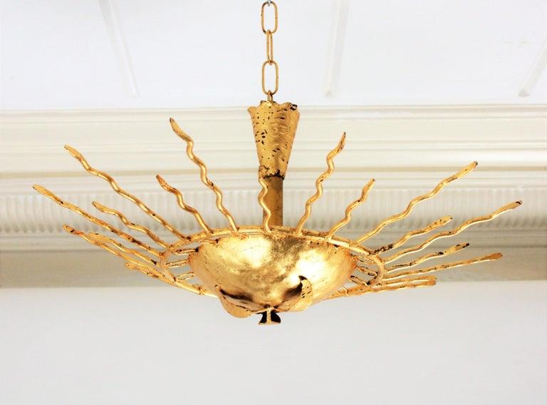 Brutalist Hand-Hammered Gold Gilt Iron Sunburst Light Fixture Framed By Circles For Sale 4