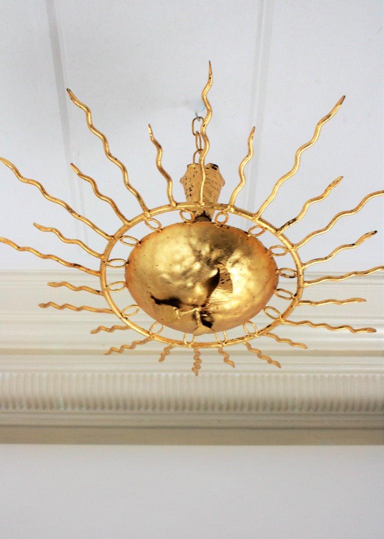 Brutalist Hand-Hammered Gold Gilt Iron Sunburst Light Fixture Framed By Circles For Sale 5