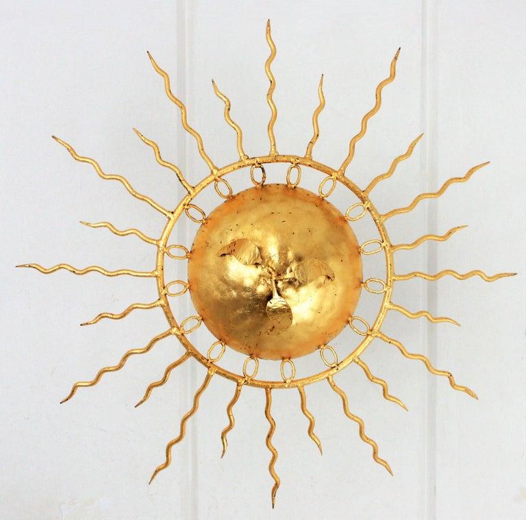 Brutalist Hand-Hammered Gold Gilt Iron Sunburst Light Fixture Framed By Circles For Sale 1