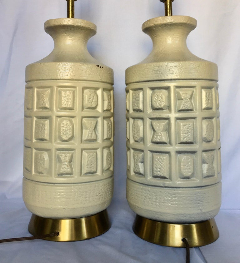 Brutalist Mid-Century Modern Cubist Pottery Table Lamps In Good Condition For Sale In Lambertville, NJ