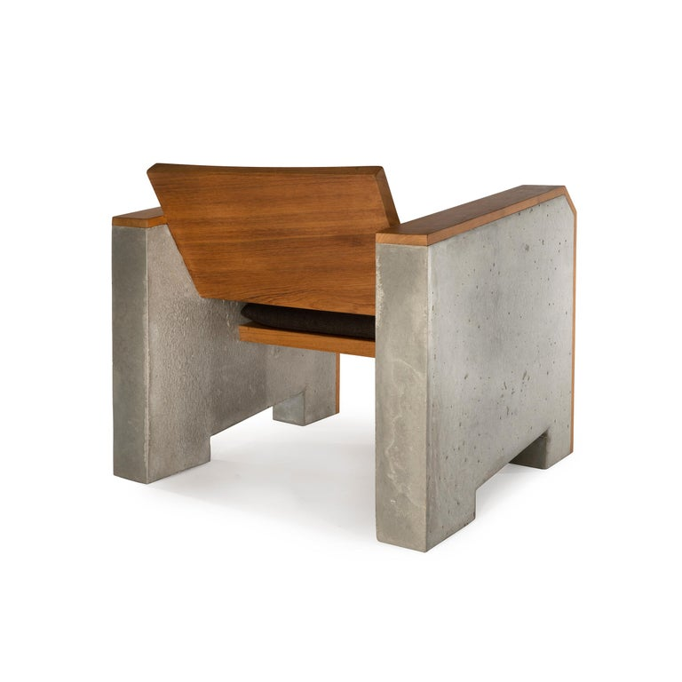 Brutalist Modern Outdoor Concrete Burmese Teak Lounge Chair In New Condition For Sale In New York, NY