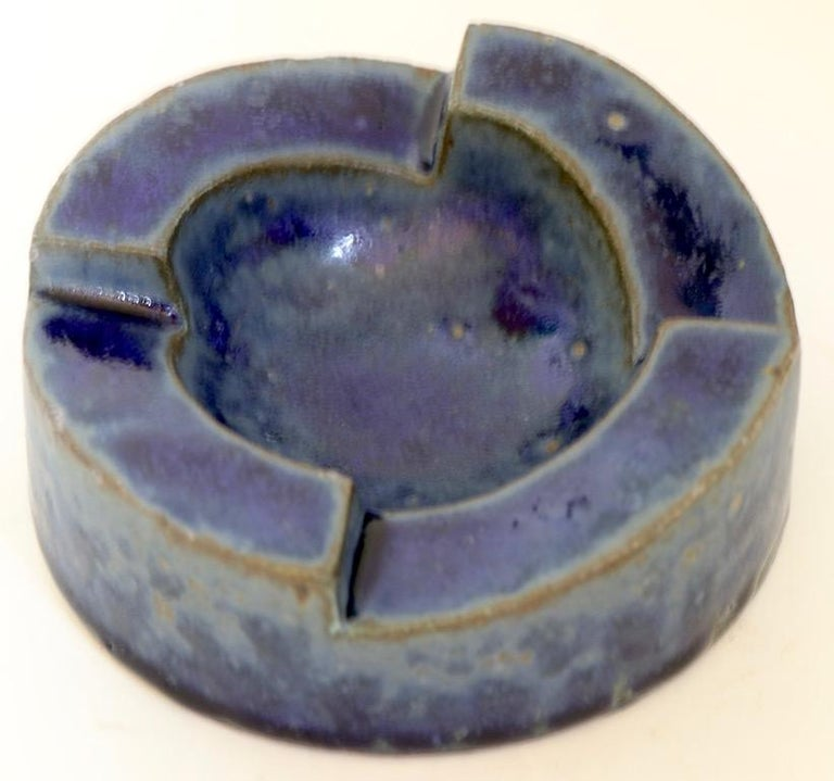 Brutalist Pottery Bowl Ashtray by David Gil for Bennington Pottery In Excellent Condition For Sale In New York, NY