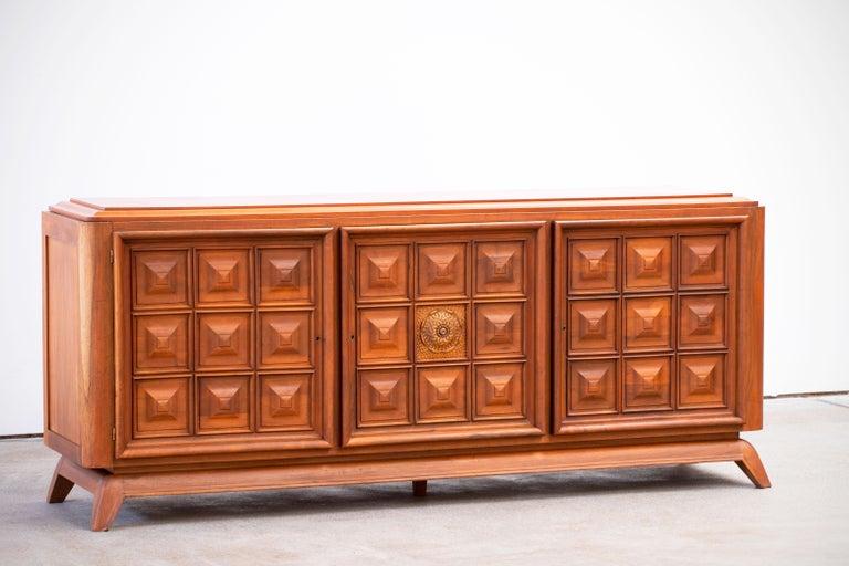 Brutalist Solid Oak Sideboard, France, 1940s In Good Condition For Sale In Gemmerich, DE