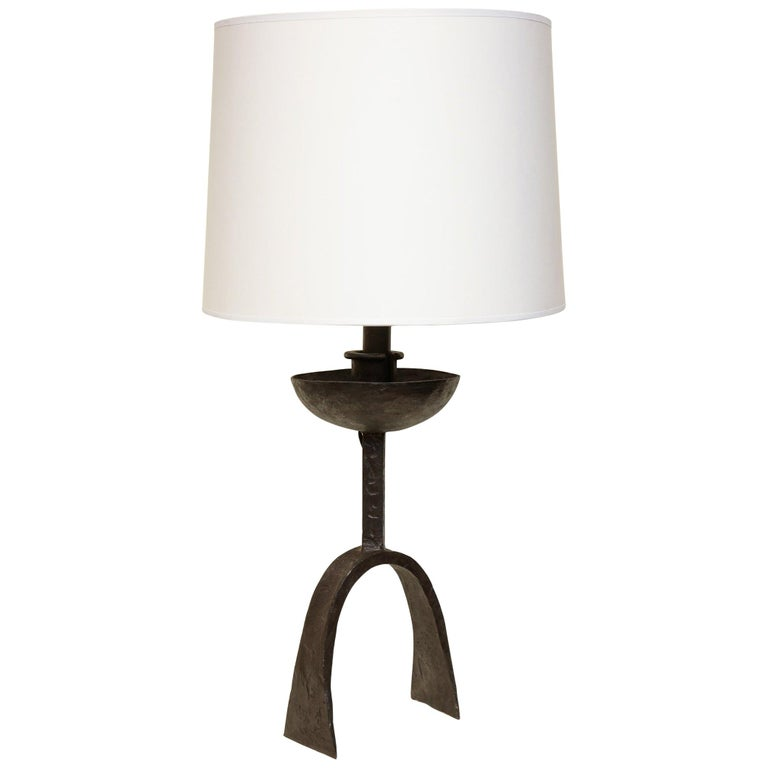 Brutalist Table Lamp Handwrought Iron Mid-Century Modern, Italy, 1960s For Sale