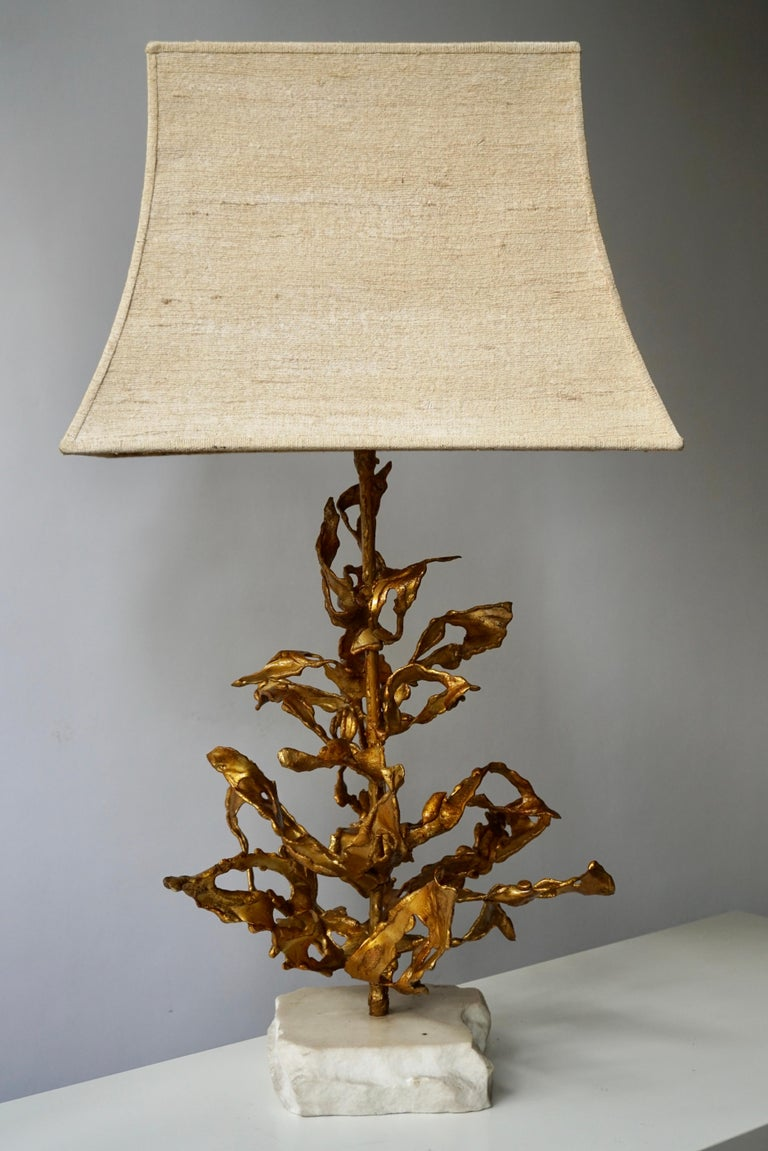 Belgian Brutalist Table Lamp in Brass Signed Paul Moerenhout, circa 1970 For Sale