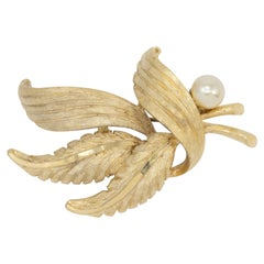 BSK Gold Vintage Floral Bouquet Faux Pearl Pin Brooch, Mid 1900s Pin