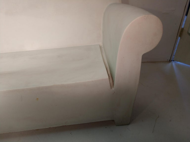 Bubble club 2-seat sofa perfect for the great outdoors, by the pool. Heavy duty molded plastic that will hold paint.