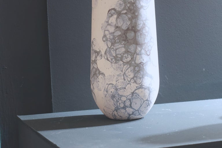 Blue Bubble Design on White Tall Ceramic Vase, Netherlands, Contemporary In New Condition For Sale In New York, NY
