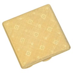 Buccellati 18 Karat Yellow Gold Compact with Mirror