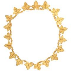 Buccellati 18 Karat Yellow Gold Floral Flower Leaf Motif Necklace