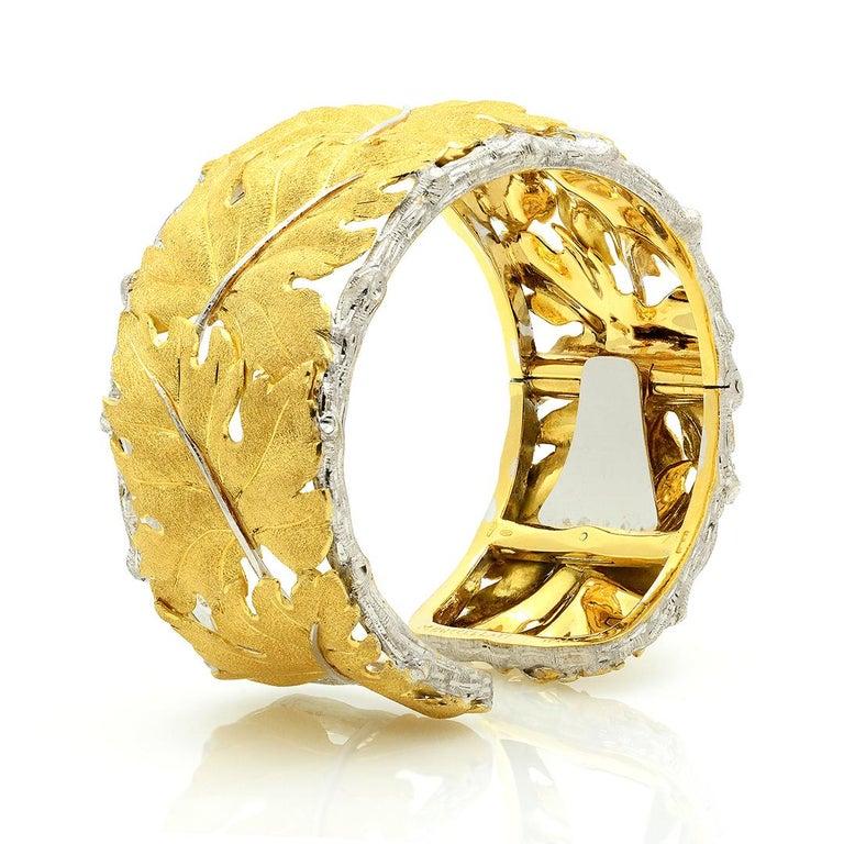 Buccellati 18k Gold Textured Leaf Cuff Bracelet For Sale 5