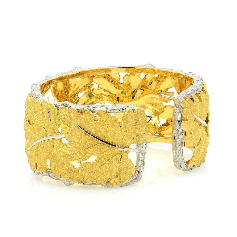 Women's Buccellati 18k Gold Textured Leaf Cuff Bracelet For Sale