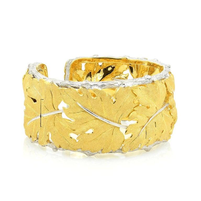 Buccellati 18k Gold Textured Leaf Cuff Bracelet For Sale 1