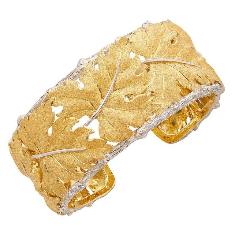 Buccellati 18k Gold Textured Leaf Cuff Bracelet For Sale