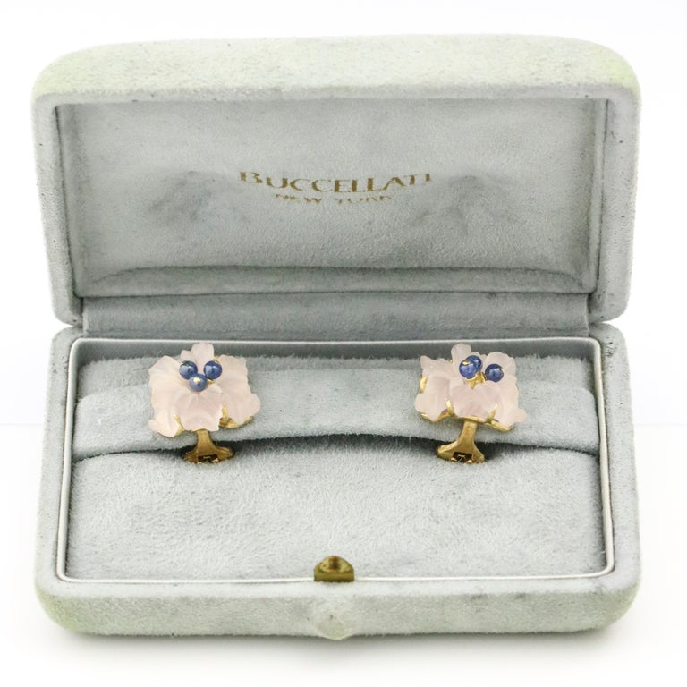 Women's Buccellati 18 Karat Yellow Gold Carved Rose Quartz Sapphire Flower Stud Earrings For Sale