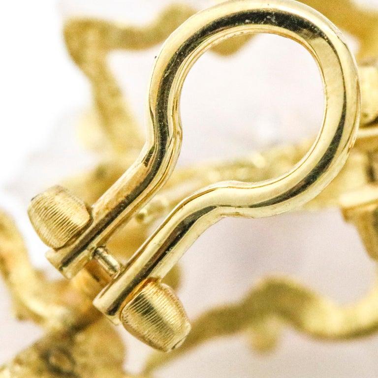 Buccellati 18 Karat Yellow Gold Carved Rose Quartz Sapphire Flower Stud Earrings For Sale 3