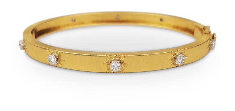 Buccellati 'Classica' Gold and Diamond Bangle In Excellent Condition For Sale In New York, NY