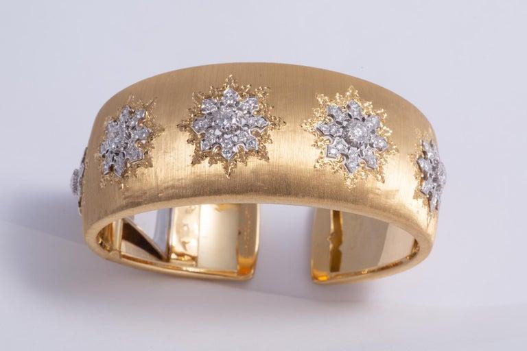 Buccellati Cuff with 4.00cts of diamonds in 18k gold signed Mario Buccellati.