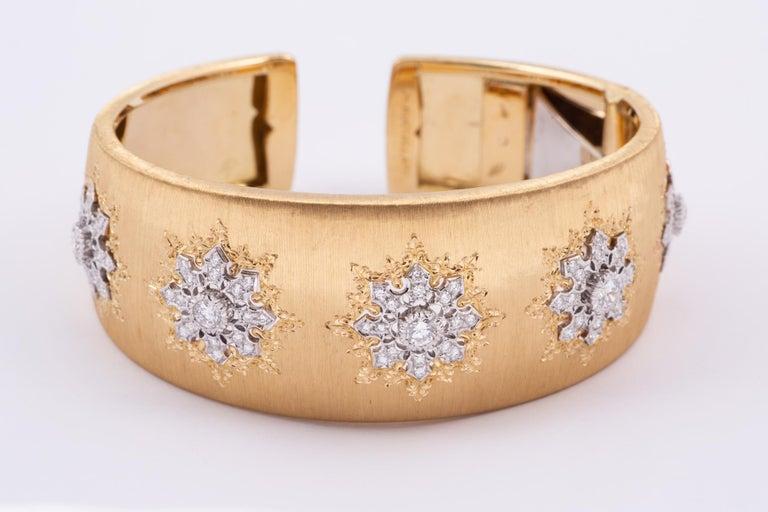 Contemporary Buccellati Cuff with Diamonds in Gold For Sale