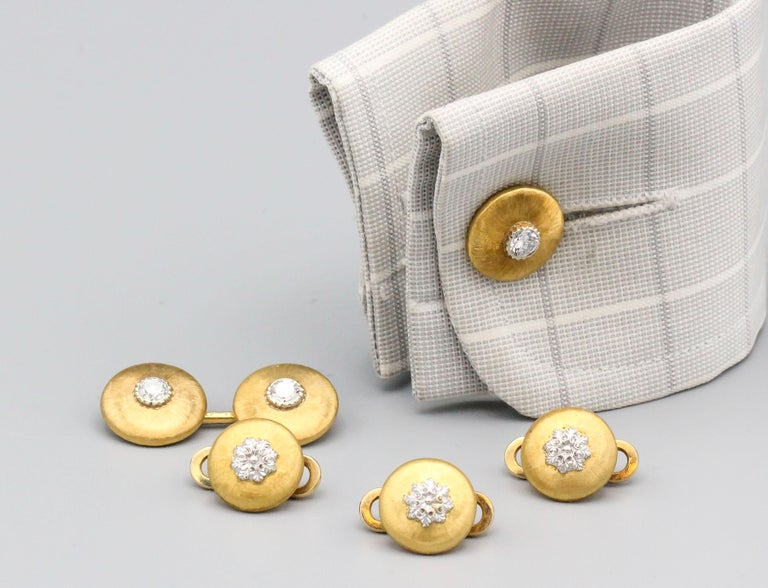 Buccellati Diamond and 18 Karat Gold Cufflinks and 3 Studs Set In Good Condition For Sale In New York, NY