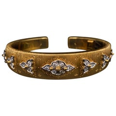 Buccellati Diamond Set 18 Karat Yellow Gold Bangle