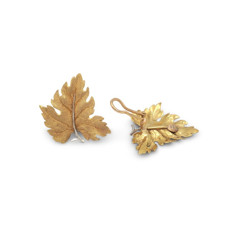 Buccellati Gold Leaf Earrings In Excellent Condition For Sale In New York, NY