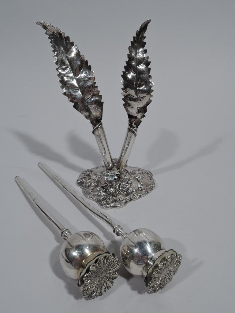 Buccellati Modern Figural Stem Flower Salt and Pepper Shakers In Excellent Condition For Sale In New York, NY