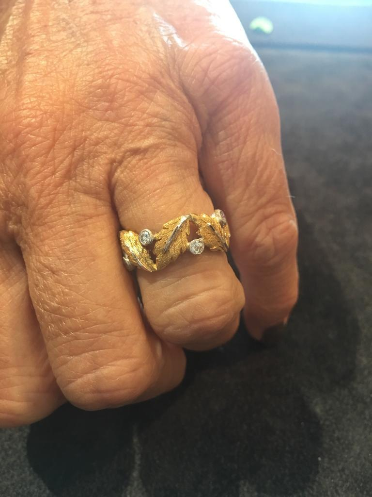 Contemporary Buccellati Oak Leaves Shaped Yellow Gold and Small Diamonds Band Ring For Sale